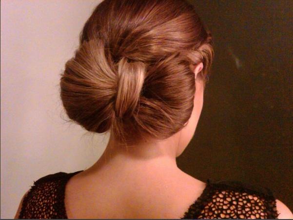 прически бант из волос средней длины видео